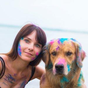 Stefanie Trompelt Holi Farben Hund